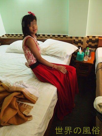 ヤンゴン2014最新 ファッションショーレディーを安く遊ぶ方法【簡易版】