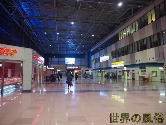 vladivostok-airport-not-opening-anything5