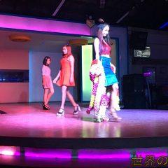 ヤンゴンのTwoTwoFive(225)は美人ファッションショーモデルが大勢います